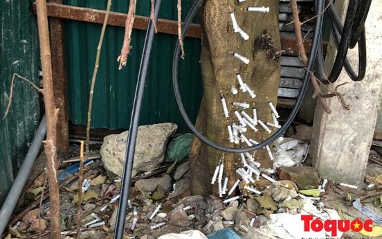 """""""Kim tiêm nguyên máu tươi"""" bủa vây cổng bệnh viện Bạch Mai"""
