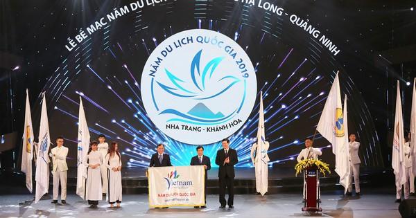 Lễ bế mạc Năm Du lịch Quốc gia 2018 – Hạ Long, Quảng Ninh, Gala chào mừng thành công Diễn đàn ATF 2019