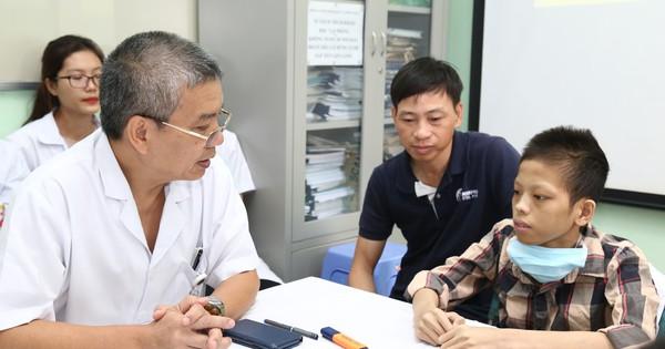 Từng bị bác sĩ tiên lượng sống chỉ còn vài ngày, bệnh nhân 18 tuổi hồi sinh kỳ diệu sau ca ghép 2 phổi - xs thứ hai