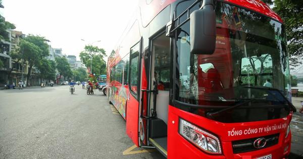 Thí điểm tuyến du lịch dùng xe buýt 2 tầng phục vụ khách tham quan tại TP. HCM