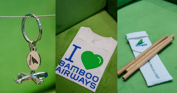 """Lạc vào """"vũ trụ xanh"""" cùng những món đồ lưu niệm tại Phòng vé Bamboo Airways 30 Tràng Tiền"""