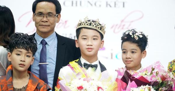 Hot boy nhí Nguyễn Huy Việt  đăng quang tại Chung kết cuộc thi tìm kiếm Người mẫu nhí Việt Nam