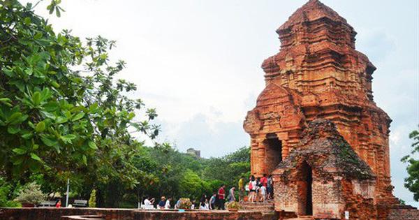 Miễn phí cho học sinh đến tham quan Di tích kiến trúc nghệ thuật tháp Pô Sah Inư
