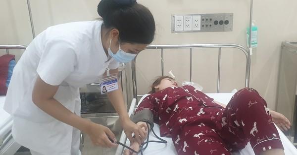 TT - Huế: 73 người nhập viện cấp cứu sau tiệc cưới