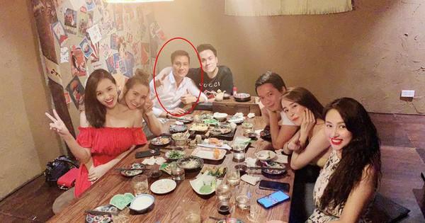 Việt Anh xuất hiện với gương mặt cứng đơ