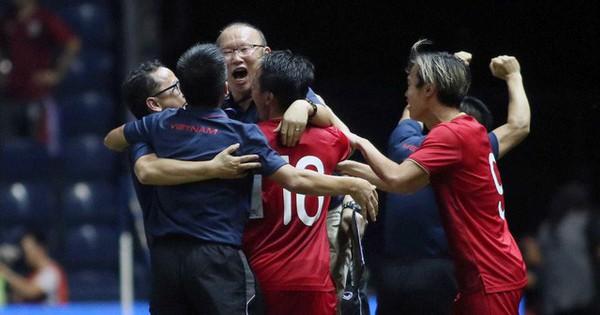 HLV Park Hang-seo chỉ ra điểm yếu của bóng đá Việt Nam, hiến kế cho ''Giấc mơ World Cup''