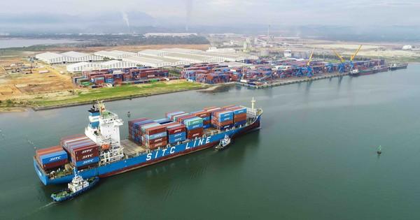 Cảng Chu Lai đón tàu container tải trọng lớn nhất từ trước đến nay