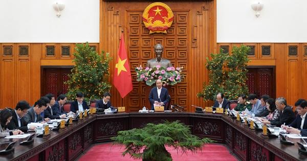 Chủ trì họp về phòng, chống dịch do virus corona Thủ tướng: Chấp nhận một số thiệt hại về kinh tế để bảo vệ tính mạng, sức khỏe người dân