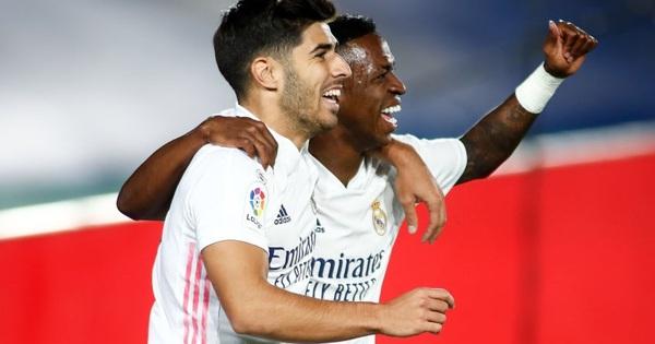 Real lại nhọc nhằn giành 3 điểm, áp sát ngôi đầu La Liga