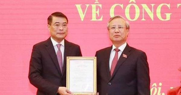 Trao quyết định phân công ông Lê Minh Hưng làm Chánh Văn phòng Trung ương Đảng