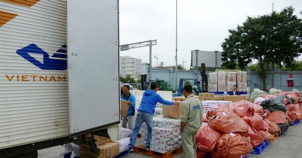 Hơn 39 tấn hàng cứu trợ được miễn cước chuyển phát qua Bưu điện