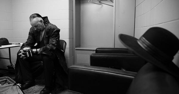 Xúc động trước những hình ảnh hậu trường của The Undertaker trong quá trình chuẩn bị cho sự kiện chia tay WWE