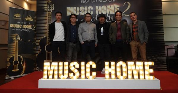 Nhạc sĩ Huy Tuấn, giáo sư Cù Trọng Xoay ''mách nước'' nghe nhạc trực tuyến giữa mùa dịch virus corona