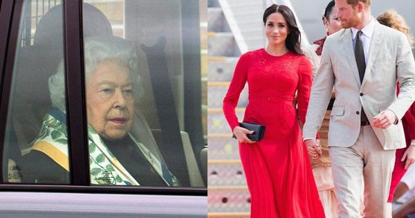 Nữ hoàng Anh lần đầu lộ diện sau cú sốc ''vô lễ'' của vợ chồng Meghan Markrle, nhìn gương mặt của bà ai cũng xót xa