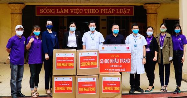 Công ty TNHH sản xuất thiết bị thương mại Quốc Bảo tặng 50.000 khẩu trang y tế, chung tay đẩy lùi Covid-19