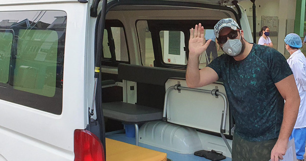 """Bệnh nhân Covid-19 quốc tịch Mỹ: """"Cảm ơn các y bác sĩ Việt Nam, họ đã cứu mạng tôi"""""""