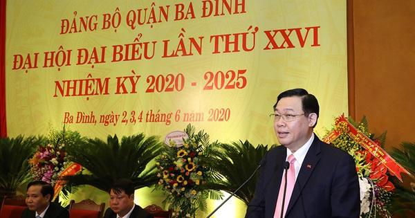 Bí thư Thành ủy Hà Nội Vương Đình Huệ chỉ cách tháo gỡ vướng mắc cho quận Ba Đình để đạt mục tiêu 100% trường chuẩn quốc gia