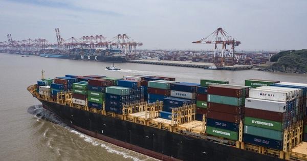Thương mại Trung Quốc bất ngờ tăng trưởng trở lại vào tháng Sáu