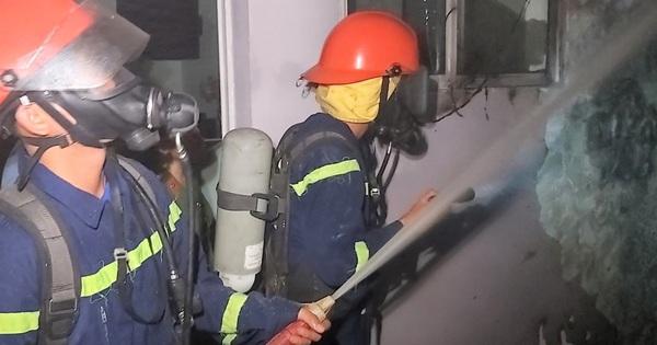 Cháy tại khách sạn 7 tầng, 2 xe máy bị thiêu rụi