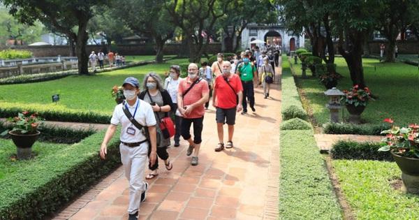 Tiếp tục đẩy mạnh hoạt động quảng bá du lịch Hà Nội