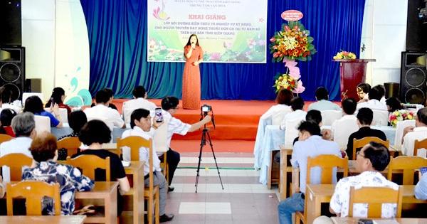 Kiên Giang khai giảng lớp kỹ năng cho người truyền...