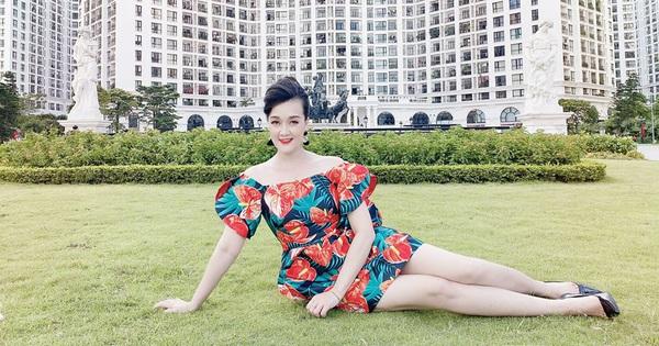 Danh hài Vân Dung khoe vóc dáng không thua kém người mẫu ở tuổi 44