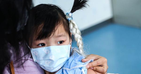 Bệnh bạch hầu ''hoành hành'', Bộ trưởng Giáo dục chỉ đạo tăng cường công tác phòng, chống bệnh trong trường học