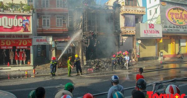 Huế: ''Bà hỏa'' thiêu rụi shop quần áo, thiệt hại hàng trăm triệu đồng