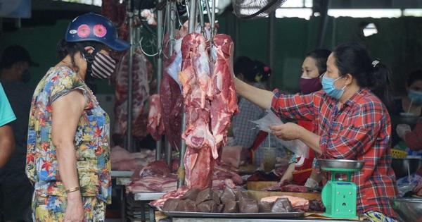 Người Đà Nẵng ngày đầu đi chợ bằng thẻ