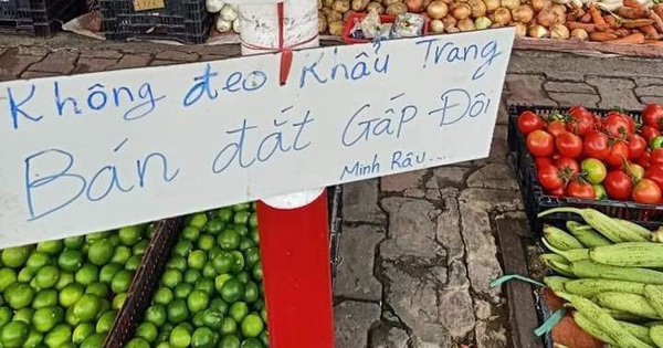 """Chú Minh Râu - người bán rau nổi tiếng lại hot trên mạng xã hội vì tấm bảng """"không đeo khẩu trang bán đắt gấp đôi"""""""
