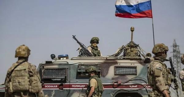 Báo Anh: Đồng minh khuyên Mỹ hạ mình ''qua cửa'' Nga nếu muốn thoát khỏi Syria?