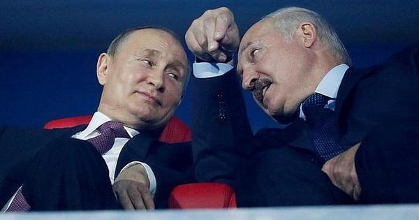 Hai cú bẻ lái điệu nghệ của TT Belarus Lukashenko: Quá bất ngờ, phương Tây choáng váng!