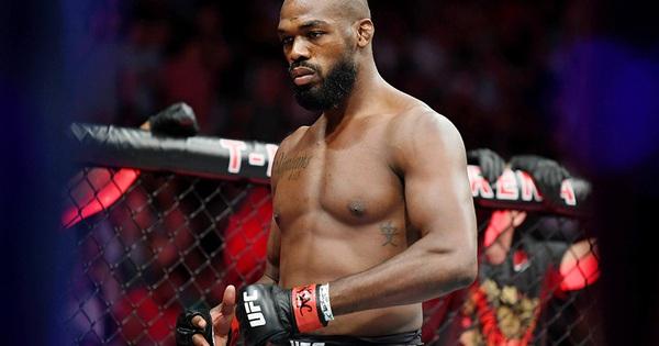 """Cựu vương Daniel Cormier: """"Jon Jones bỏ đai UFC vì sợ Dominick Reyes"""""""