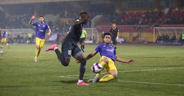 Vòng 2 V-League 2021: Hà Nội FC ngụp lặn cuối bảng