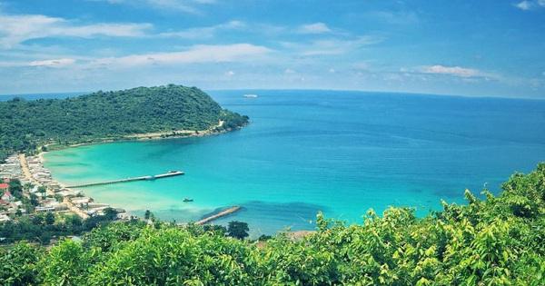 Điểm danh những vùng biển hoang sơ đáng khám phá vào hè 2021