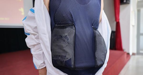 Ra mắt áo chống sốc nhiệt cho nhân viên y tế chống dịch