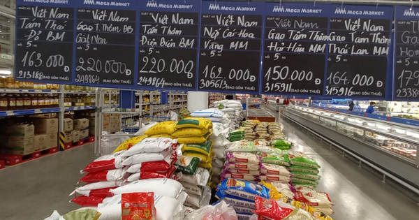 Đoàn công tác của Tổng cục QLTT giám sát nắm bắt tình hình tại các siêu thị, chợ truyền thống trên địa bàn TP. Hồ Chí Minh và các tỉnh phía Nam