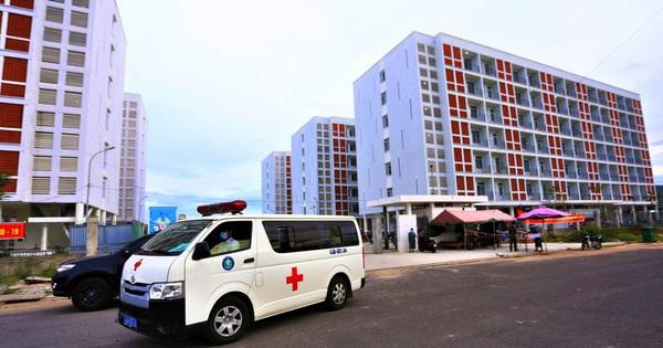 Ảnh: Bệnh viện dã chiến quy mô 1.700 giường ở Đà Nẵng đi vào hoạt động
