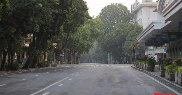 Bí thư Thành ủy Hà Nội lý giải nguyên nhân thành phố áp dụng giãn cách theo Chỉ thị 16