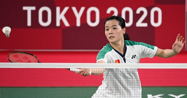 HLV tuyển Cầu lông nói gì sau trận đấu đầy nỗ lực của Thùy Linh với tay vợt số 1 thế giới?