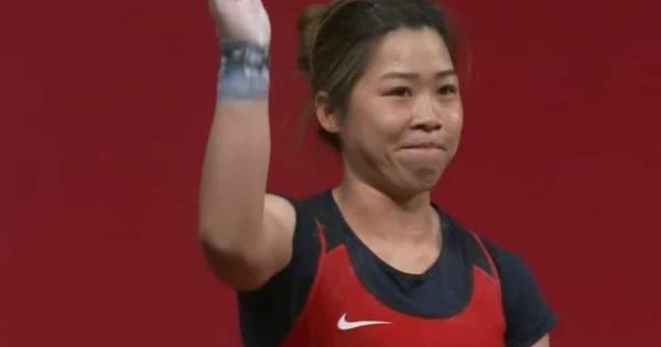 Xúc động khoảnh khắc Hoàng Thị Duyên vẫy tay chào tạm biệt giấc mơ Olympic Tokyo 2020