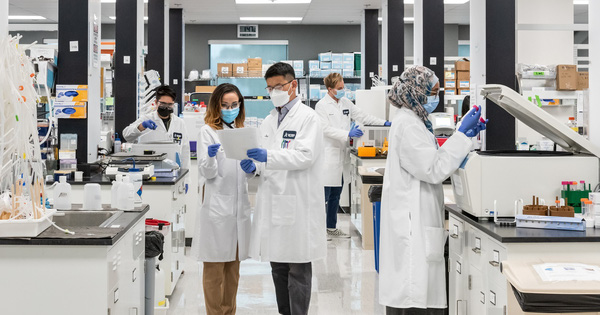 Tập đoàn Vingroup nhận chuyển giao độc quyền công nghệ sản xuất vắc xin mRNA phòng Covid-19 tại Việt Nam