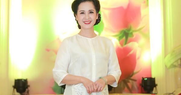 """NSND Lan Hương tái hiện hình ảnh mẹ chồng trong Chương trình """"Cho dù có đi nơi đâu"""""""