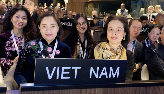 Đoàn Việt Nam tham dự diễn đàn Bộ trưởng Văn hóa Unesco