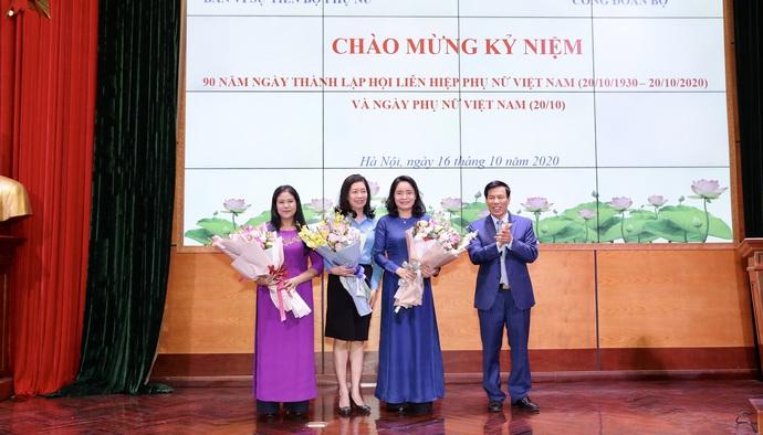 Bản tin Truyền hình số 151: Hướng tới kỷ niệm 90 năm Ngày thành lập Hội Liên hiệp Phụ nữ Việt Nam 20/10: Phụ nữ ngày càng khẳng định vai trò, vị trí trong thời đại mới