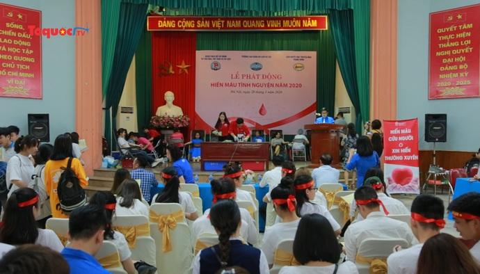 Tuổi trẻ Bộ Văn hóa Thể thao và Du lịch tham gia ngày hội hiến máu tình nguyện 2020