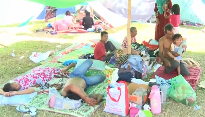 Lính Indonesia được lệnh bắn người hôi của trong vùng bị động đất