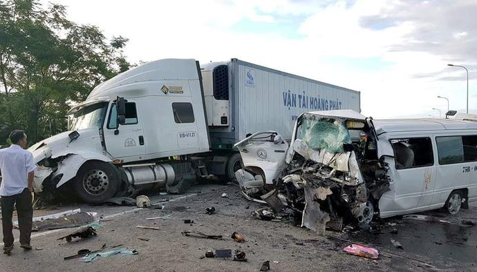 Tai nạn xe rước dâu ở Quảng Nam: Chú rể nằm trong số 13 người thiệt mạng